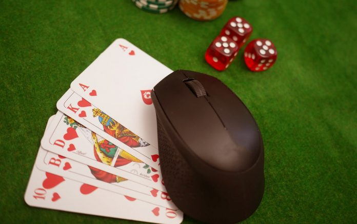 Esports and online casino: Two different worlds